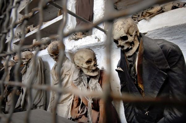 Catacumbas de los Capuchinos en palermo muertos (1)