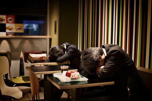 Dura realidad trabajadores japoneses (2)