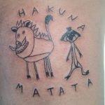 """Hacen fila para conseguir un """"tatuaje feo"""" de esta artista brasileña"""