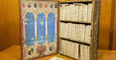 Jacobean Travelling Library (5)