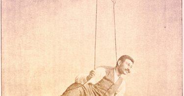 Nicolae Minovici ahorcandose recostado