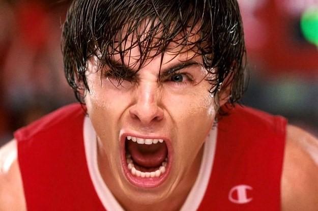 Zac Efron gritando