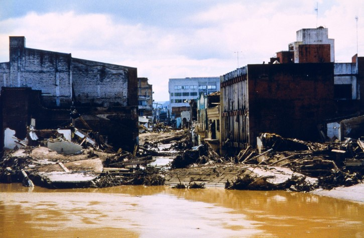 devastacion del huracan mitch