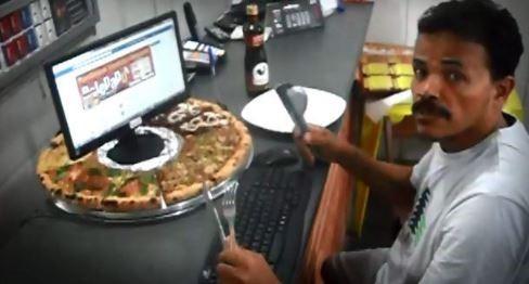 pizza con computadora