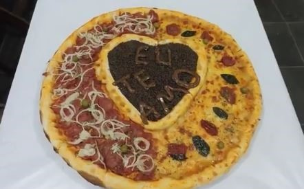 pizza con corazon chocolate