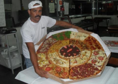 pizza con monstruosa