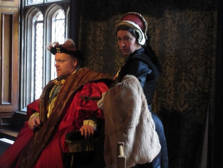 Enrique VIII y Catalina personificacion