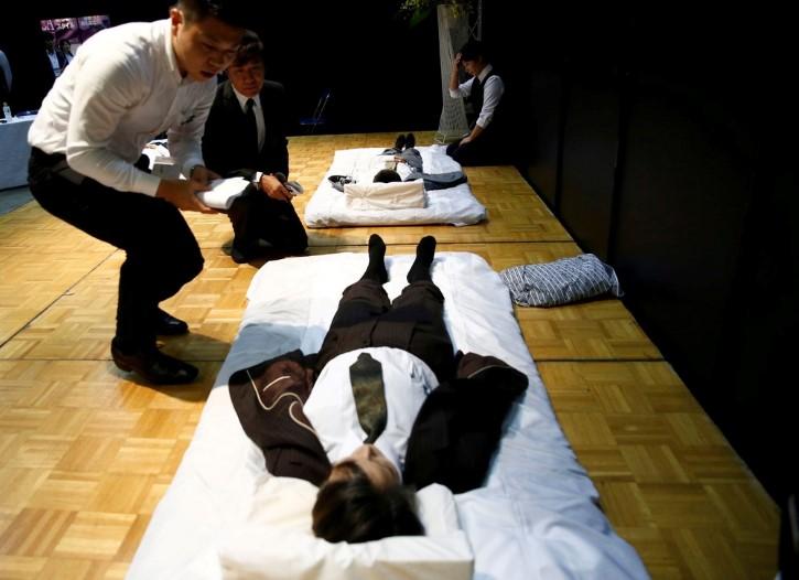 evento artículos funerarios en japon (12)