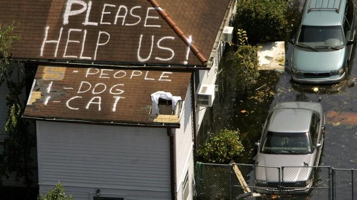 huracan katrina piden ayuda
