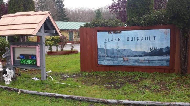 lake quinault inn letreto entrada