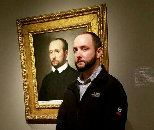 personas gemelos museo (2)