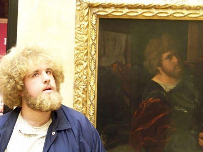 personas gemelos museo (5)