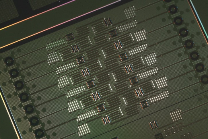 procesador IBM 16 Qubit