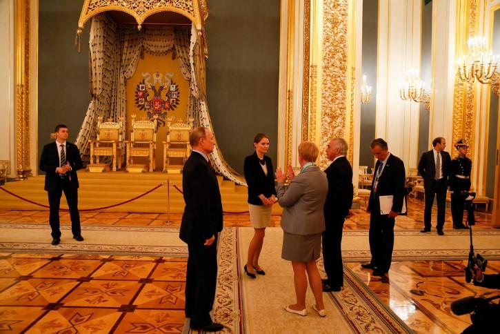 putin en el kremlin visita