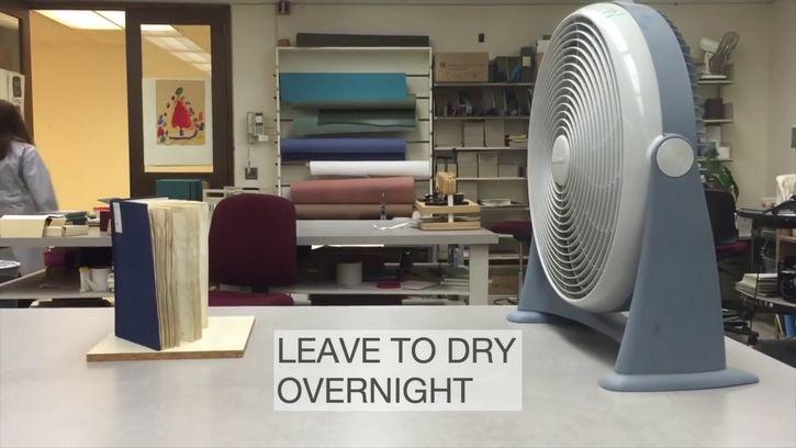 secar libro con el ventilador
