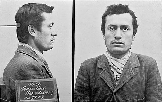 Benito Mussolini atrapado en suiza