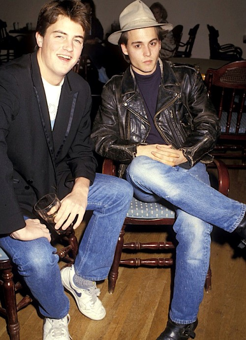 Matthew Perry y johnny Depp