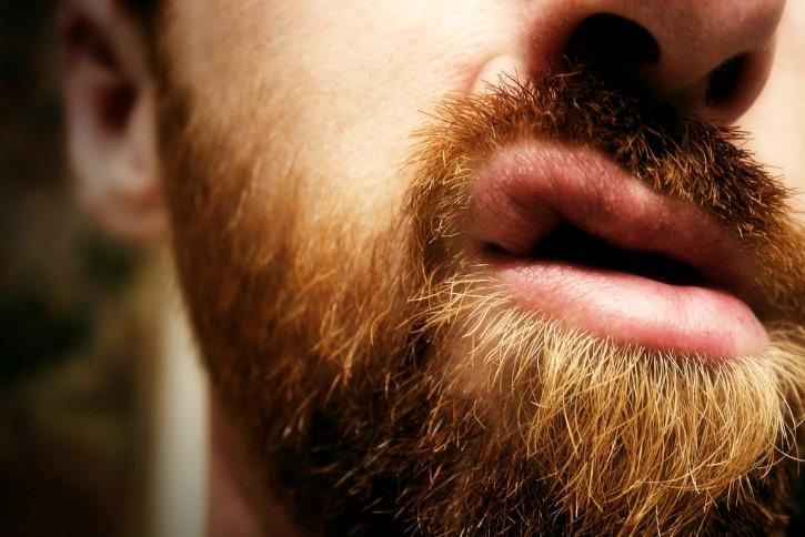 hombre vello nariz