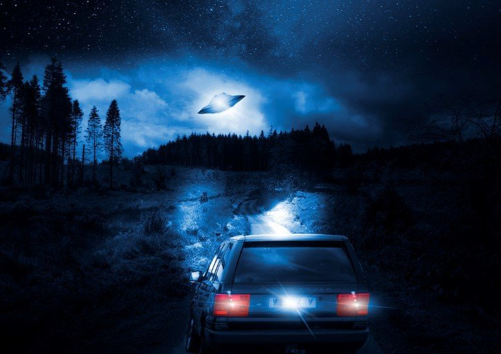 ovni en la noche azul