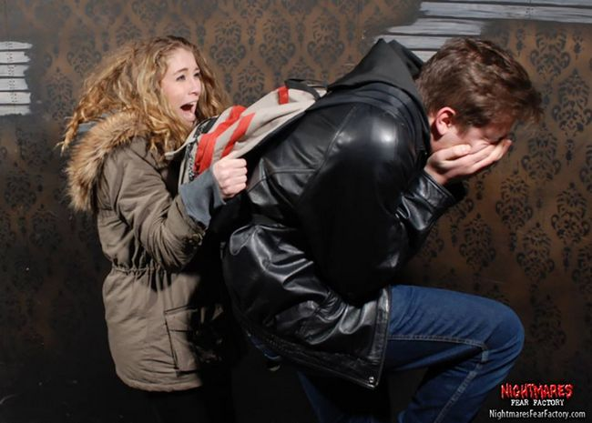 personas asustadas Nightmares Fear Factory (16)