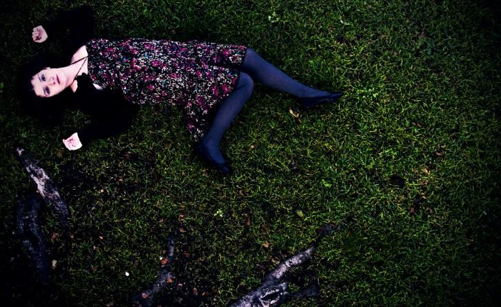 suicida mujer campo
