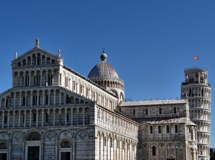 torre inclinada de pisa arquitectura