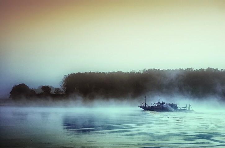 barco fantasma lago
