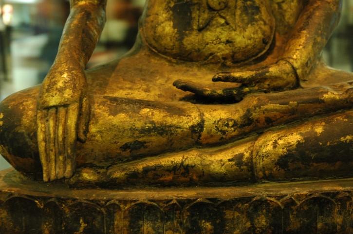 estatua meditacion perturbacion
