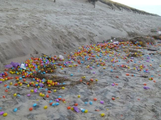 objetos extraños costa huevos kinder