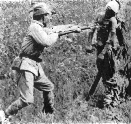 soldado japones bayoneta prisionero chino