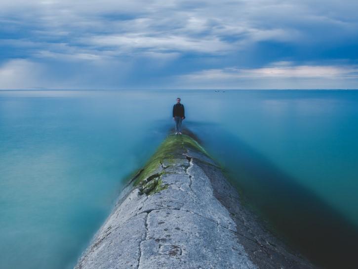 surrealismo cielo y agua