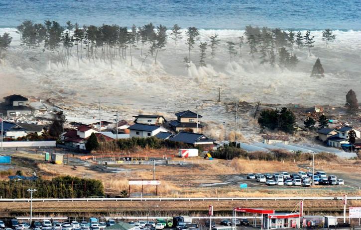 tunami en las costas de japon