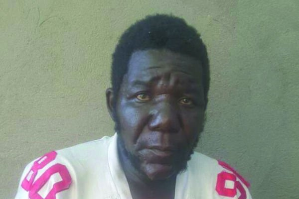 Sr Feo en Zimbabue