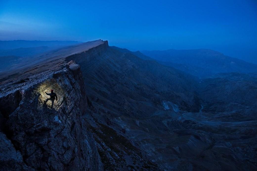 escalando mosntaña en uzbekistan
