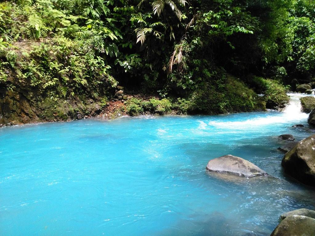 fotografia rio celeste costa rica rocas