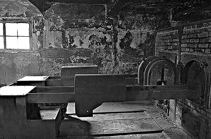 hornos en Auschwitz