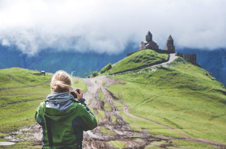 palacio en las montañas del caucaso