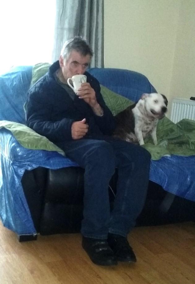 John Nolan con su perro