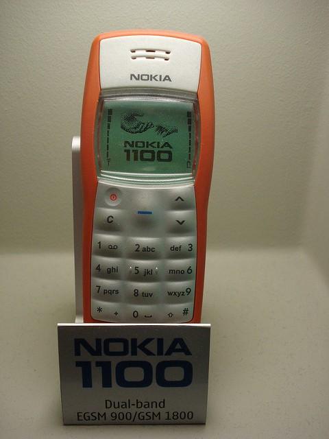 Nokia 1100 rojo