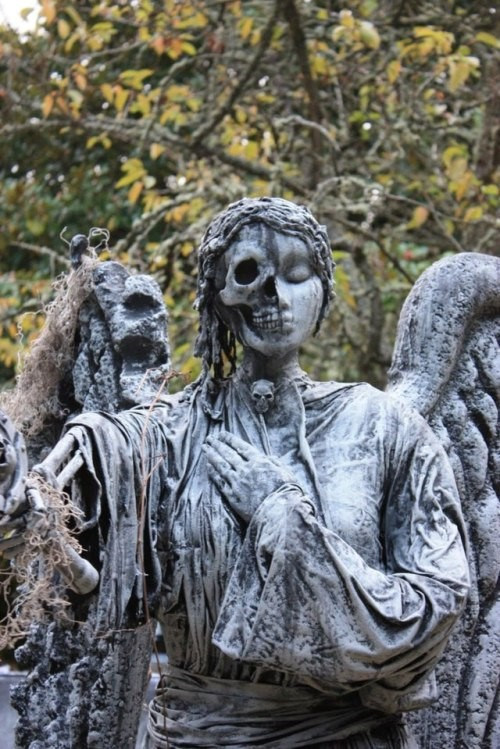 angel de la muerte estatua