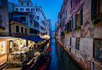 cena en Venecia gondola y restaurante