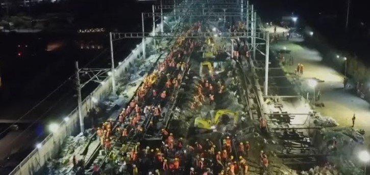 Chinos Construyen Estacion Tren Nueve Horas