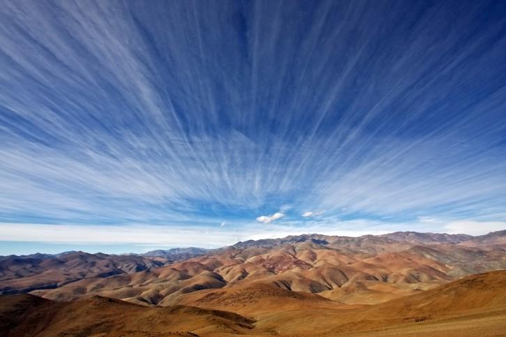 cielo con nubes extrañas en La Silla