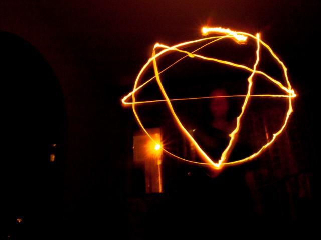 pentagrama doble exposicion
