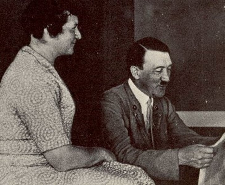 Adolf hitler y su media hermana angela hitler