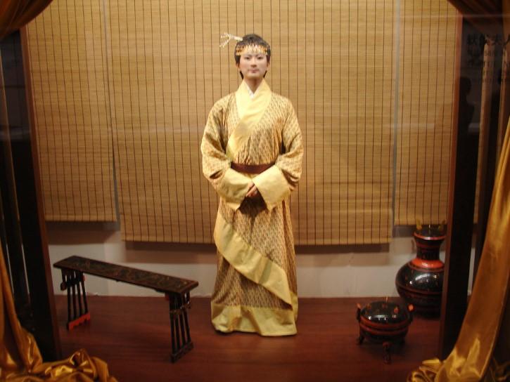 Xin zhui esposa de li chang estatua
