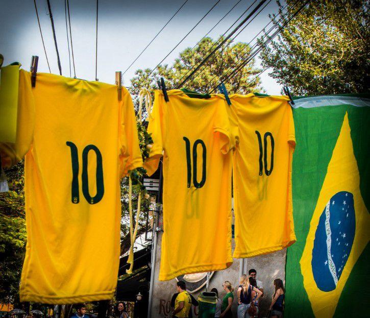 Camisa 10 De Brasil En El Tendedro