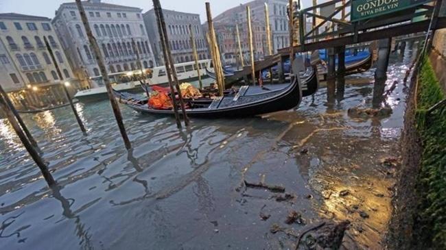 Canales de venecia secos (2)