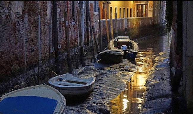 Canales de venecia secos (6)