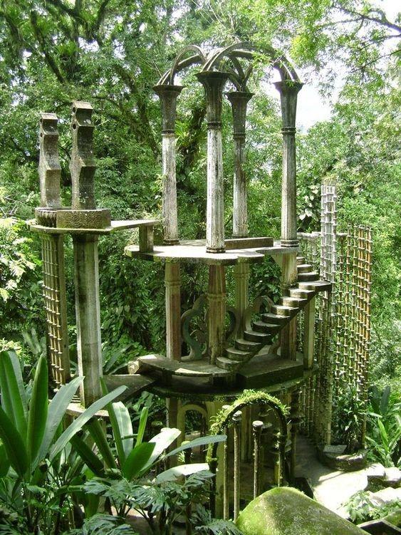 Jardin de las pozas escaleras